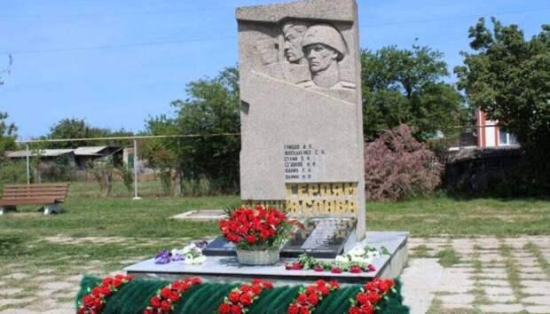 Как татары и русские в Севастополе героев делили