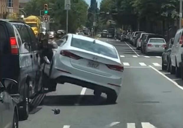 Один водитель расплющил другого за неаккуратный маневр