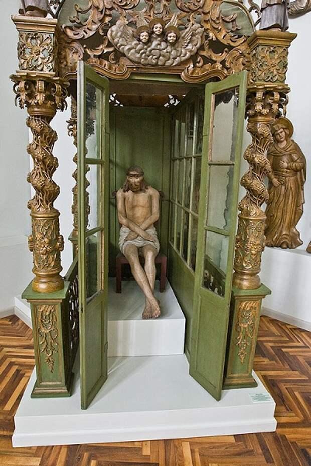 ЗАГАДКА ЗОЛОТОЙ БАБЫ. Статуи древнего мира как символы изначального христианства?
