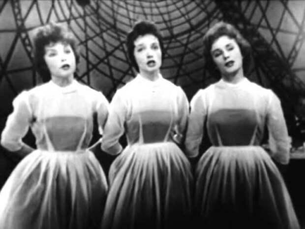 Спустя 64 года после съёмок: сестрички-официантки из фильма «Карнавальная ночь»