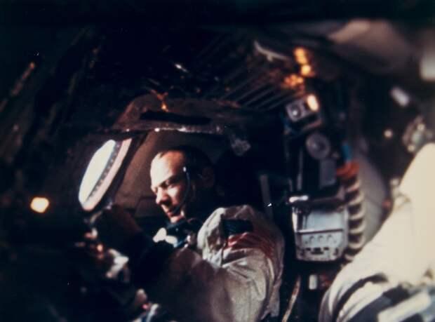 1966, ноябрь.  Базз Олдрин в космическом корабле Джемини-12
