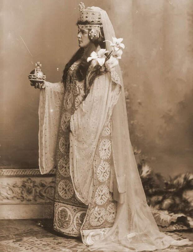 Русские обычаи. Смотр невест