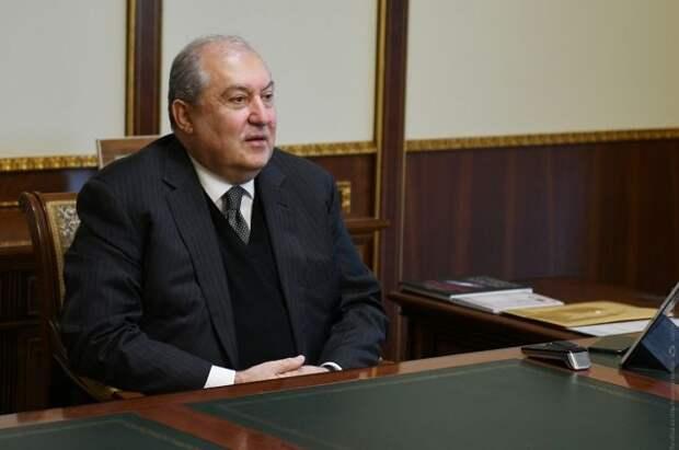 Президент Армении призвал вернуться к вопросу о статусе Карабаха
