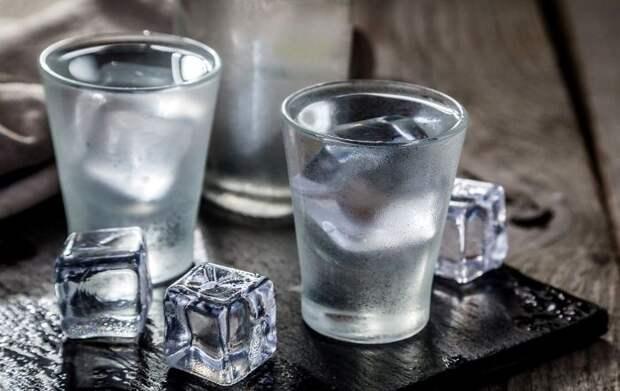 Самый распространенный русский алкоголь и называют по-русски. /Фото: presents.gifts
