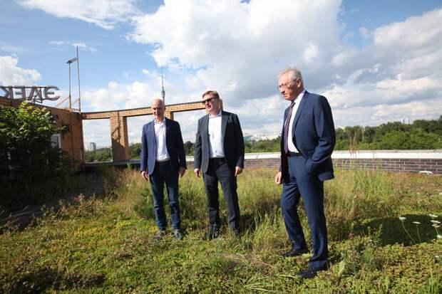 Пресс-тур на старейшей озелененной крыше Москвы/ Роман Балаев