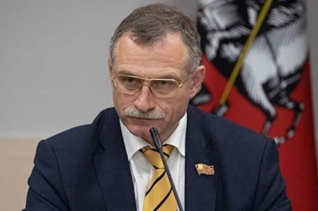 Оппозиция в Мосгордуме потребовала зарплатного равенства с единороссами