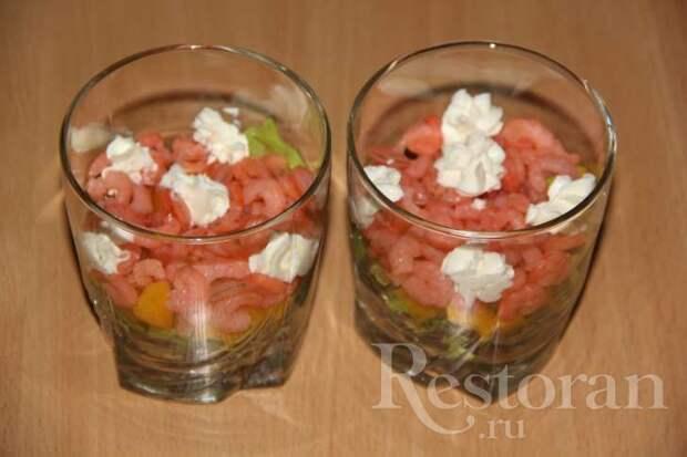 Салат - коктейль с креветками и сливочным сыром