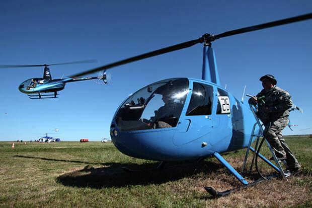 Robinson R44 от американской компании Robinson Helicopter признан самым популярным вертолетом общего назначения в мире — продано около 6 тыс. машин