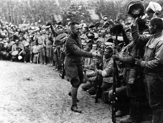 Александр Керенский в армии в 1917 году