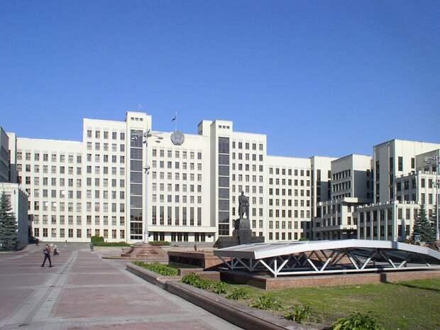 В Белоруссии разрешили не уходить на самоизоляцию приезжающим из 37 стран