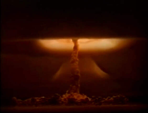 Как сверхсекретные летчики в СССР испытывали атомные бомбы