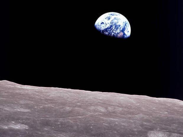 Российские ученые сообщили о миллионах тонн золота и платины на Луне