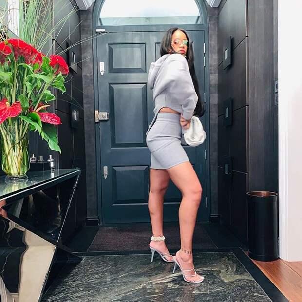 Рианна певица и просто красивая женщина в своём Instagram