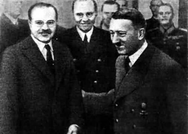 Молотов, Гитлер Фото: padonki.org