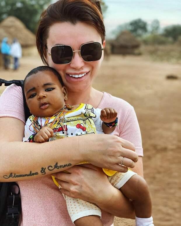 У меня на руках маленькая дочь Мухаммеда
