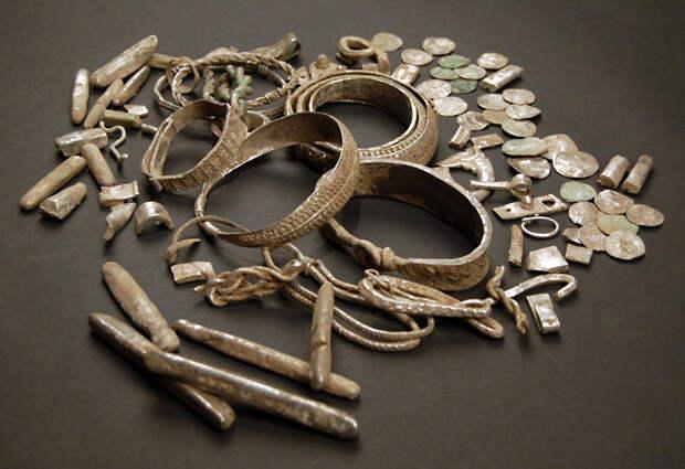 Клад серебряных предметов из Сильвердейла, Англия. Викинги, X век.