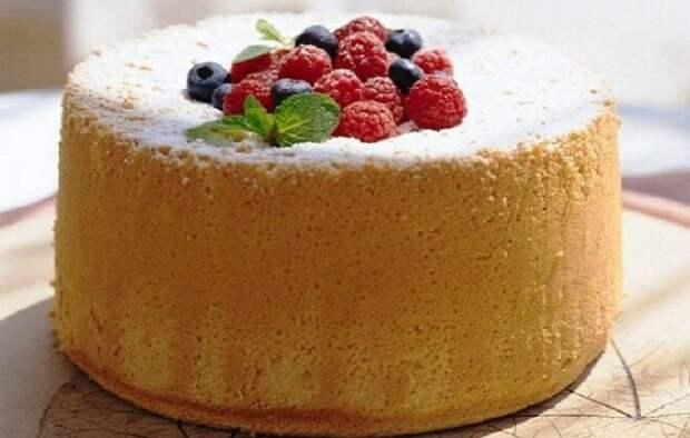 Рецепт приготовления высокого и вкусного бисквита, который не опадает