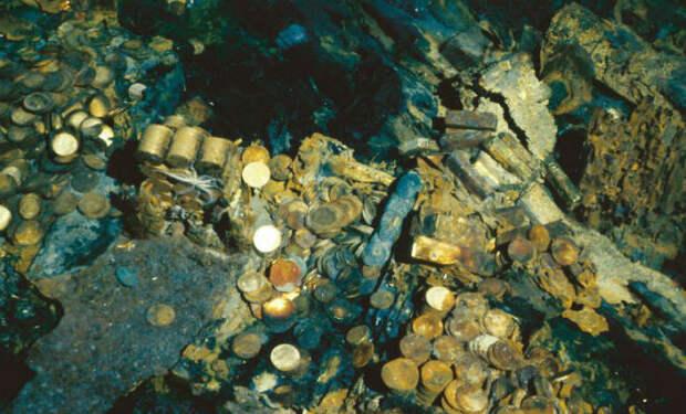 Кладоискатель нашел золото и перепрятал его. Его посадили в тюрьму и держат пока не скажет где клад