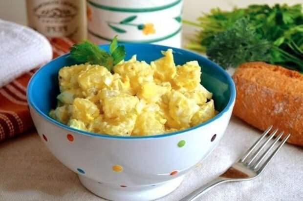 Картофельный салат по-американски. \ Фото: 1000.menu.