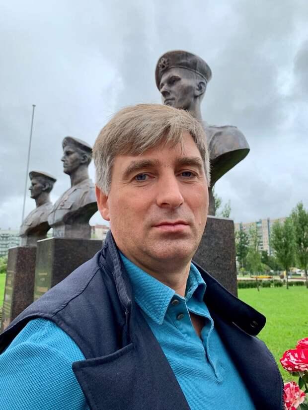 Московский бизнесмен поставил 75 памятников погибшим героям 6-й роты