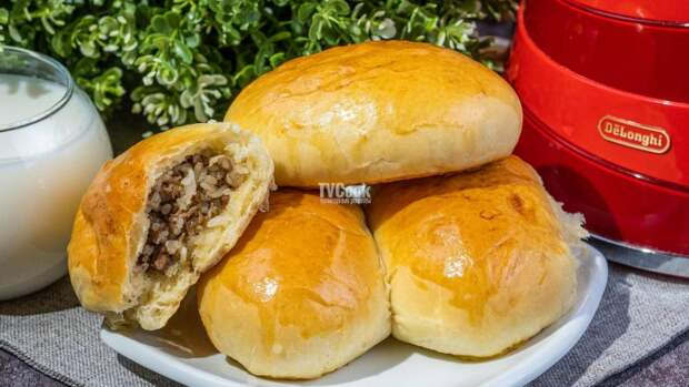 Пирожки с начинкой из мяса и риса в духовке — рецепт