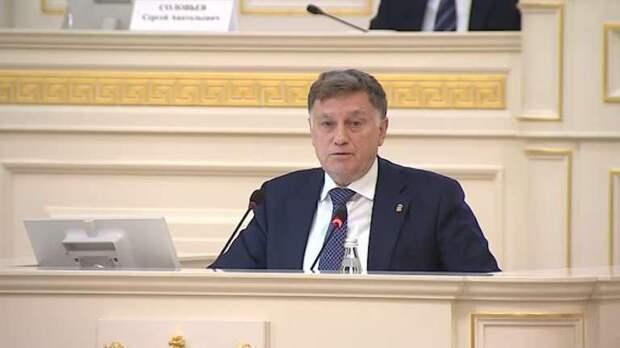 Макаров списал сам у себя статью о величии парламента Петербурга