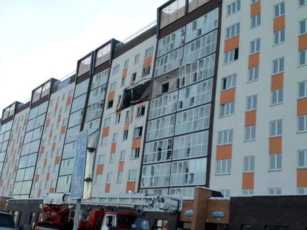 В Тюмени на Лесобазе произошел взрыв в девятиэтажке. Серьезные разрушения, двое погибших
