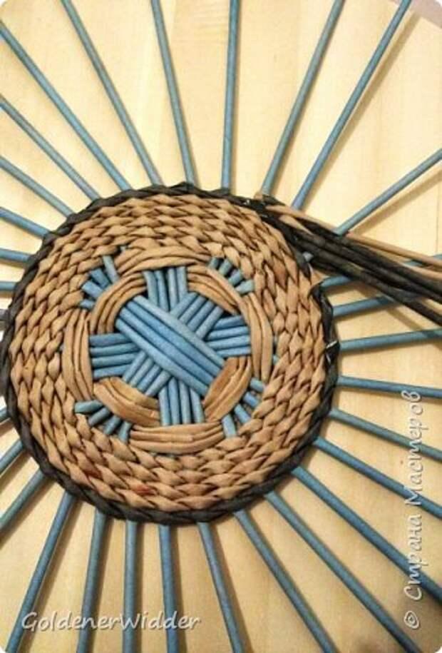 Мастер-класс Плетение Панно 40 см Спиральное плетение Бумага газетная Трубочки бумажные фото 8