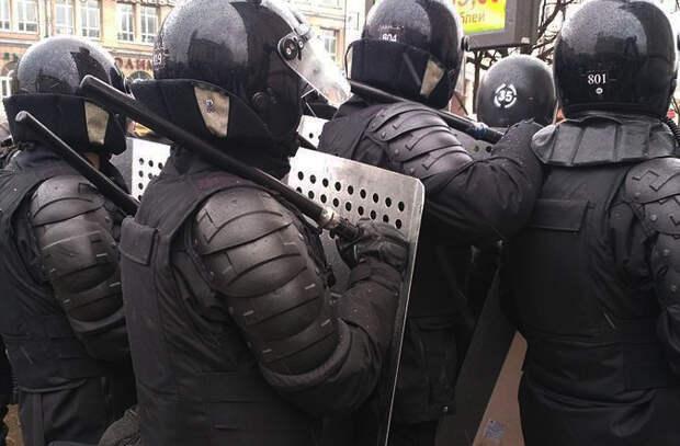 Пытки и избиения: белорусские СМИ о том, с чем столкнулись протестующие во время задержания