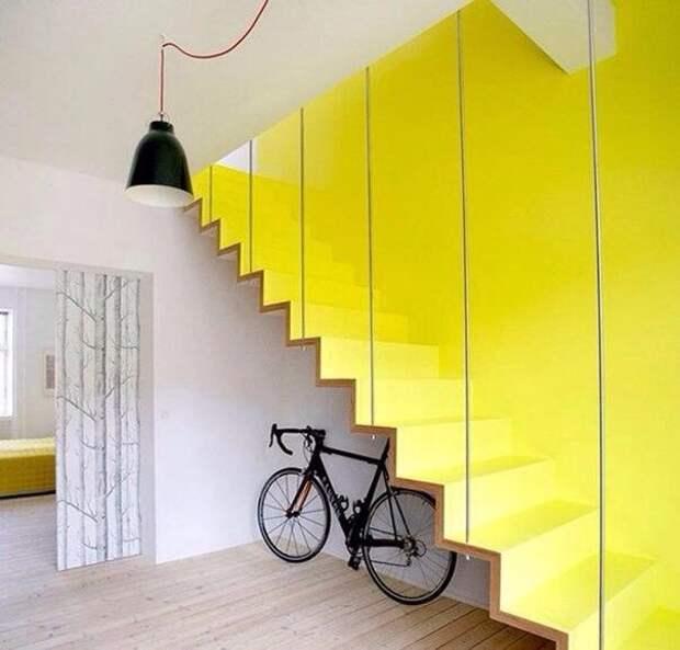 Идея окраски стены с лестницей!