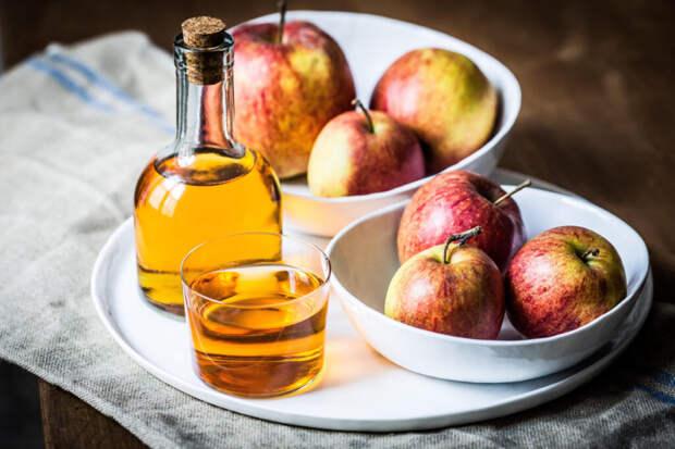 Яблочный уксус – отличное средство для свежести дыхания, пищеварения и похудения