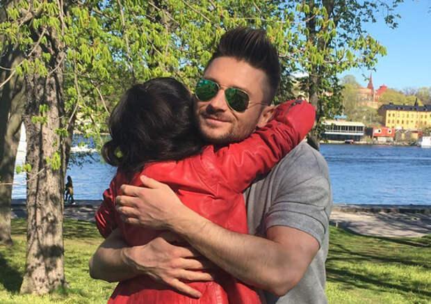 Лазарев на «Евровидении» проводит время с певицей из Азербайджана