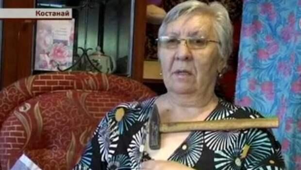 К костанайской бабушке и ее внуку липнут вилки, телефоны и молотки