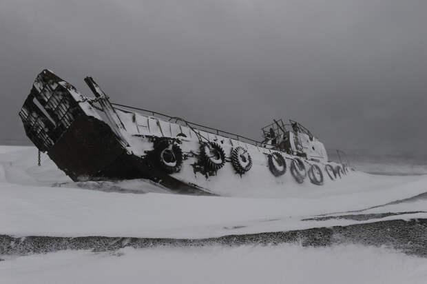 Заброшенные северные территории когда-то великой страны (35 фото)