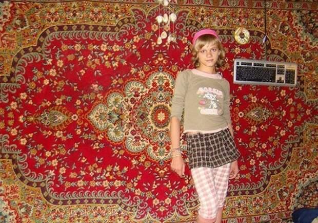 Вся соль — в ковре! 23 обворожительные красавицы на фоне незаменимого элемента декора.