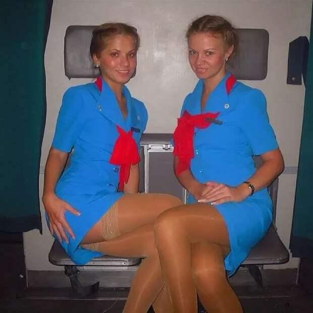 Ножки стюардесс. Подборка chert-poberi-styuardessy-chert-poberi-styuardessy-54320504012021-15 картинка chert-poberi-styuardessy-54320504012021-15