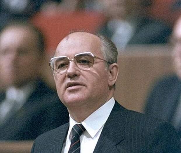 Самые плохие вещи, которые принесла СССР Перестройка Горбачёва