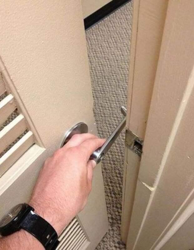 Дверные ручки - также любимый ляп строителей прикол, юмор