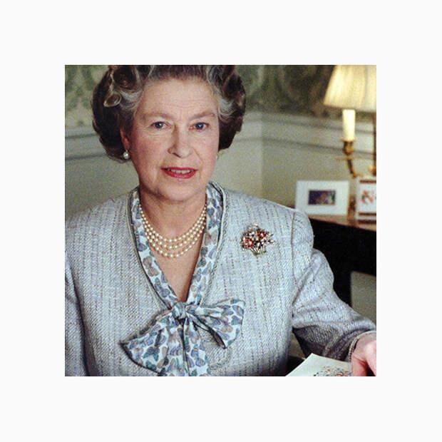 013 small Любимые броши британской королевы Елизаветы II