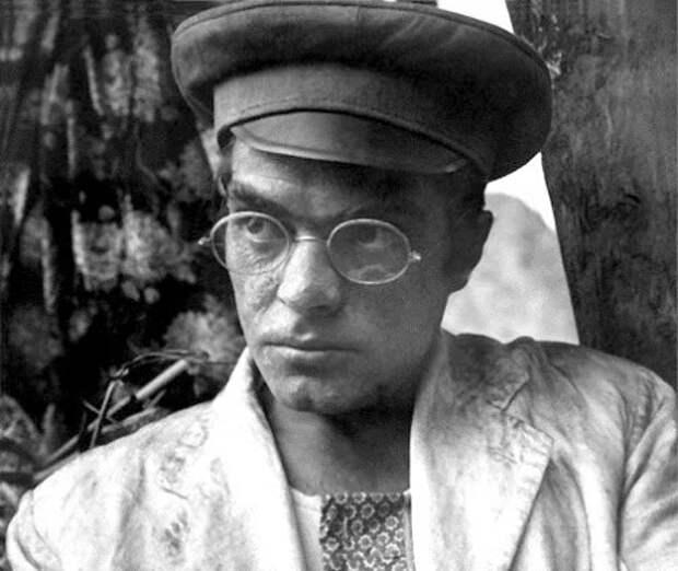 Несколько фактов из жизни хулигана, дилетанта, человека средних способностей – Александра Адабашьяна