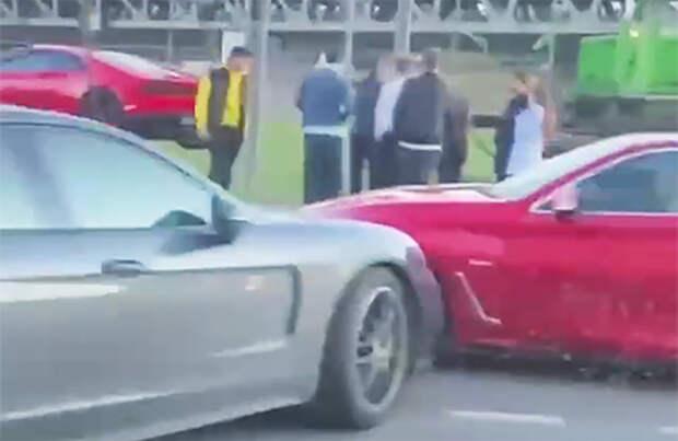 Самая дорогая авария сезона: в Москве столкнулись Lamborghini, Infiniti и Porsche