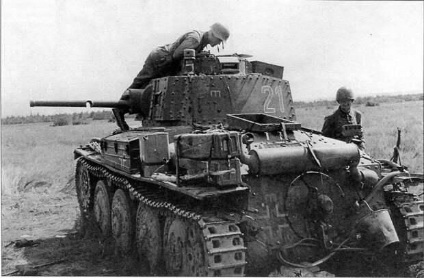 Неравные танковые дуэли. Часть 4. Красноармеец с топором против Pz.38(t)