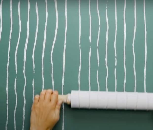 Необычный способ оформления стен. /Фото: youtube.com/watch?v=pM0fwBT6h6I