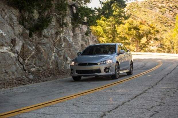 Mitsubishi чуть-чуть обновила американский Lancer