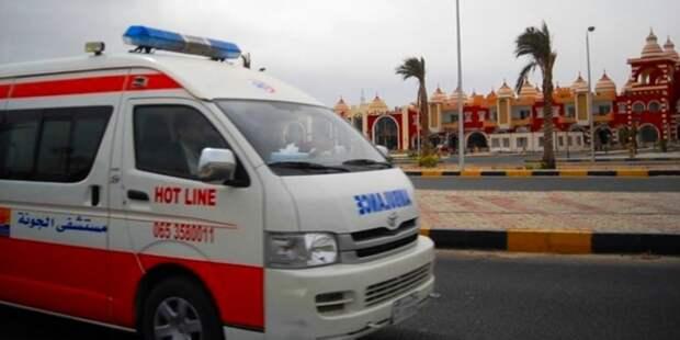 Россияне попали в Египте в аварию