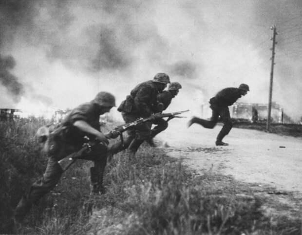 «Мы сразу начинали убегать»: Немец о том, зачем русские вешали ведро на ствол Т-34 и почему этого боялись