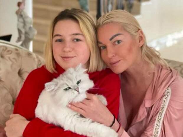 Бывший муж Волочковой прячет от нее дочь в новой квартире