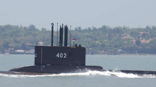Более 50 человек находятся на борту пропавшей подлодки ВМС Индонезии
