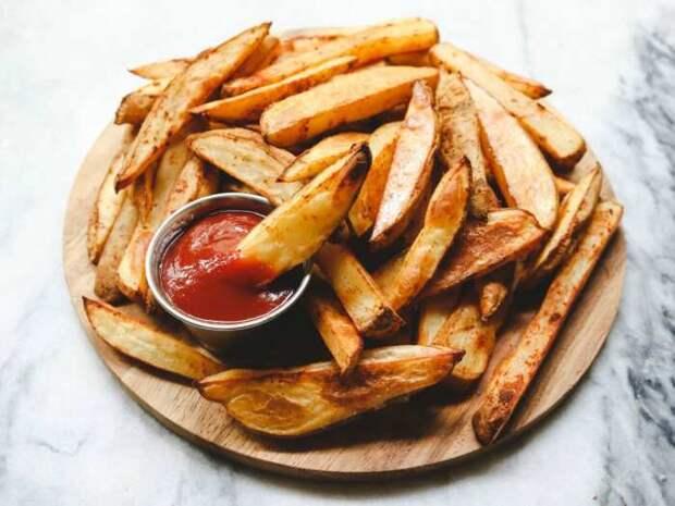 Пикантные картофельные дольки. \ Фото: yumchief.com.
