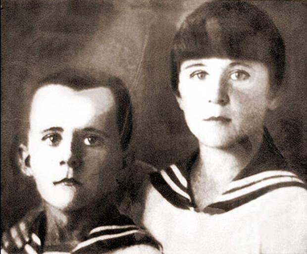 Марат с сестрой Ариадной